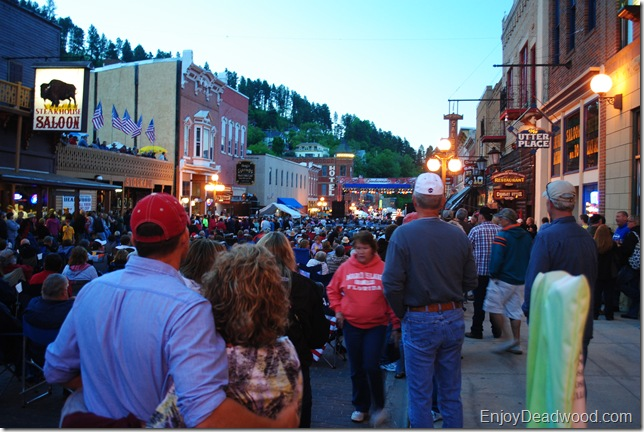photo Bellamy Brothers on Deadwood's Main Street